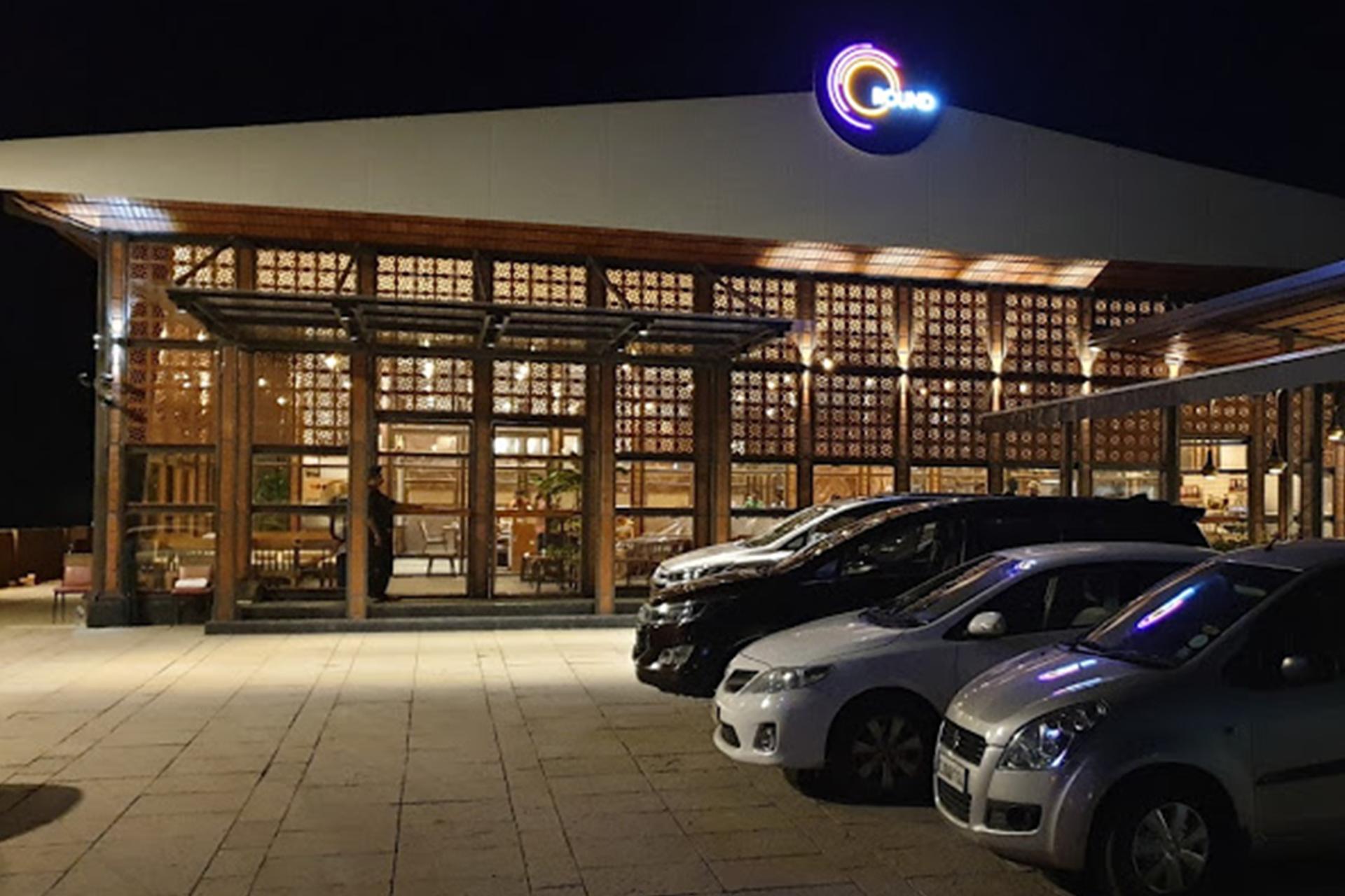 Round Hotel